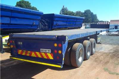 Henred-Superlink-Trailers-2004-Model