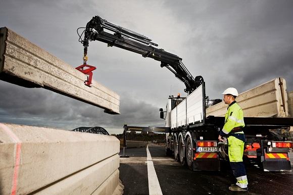 Hiab-Truck-Cranes-For-Sale