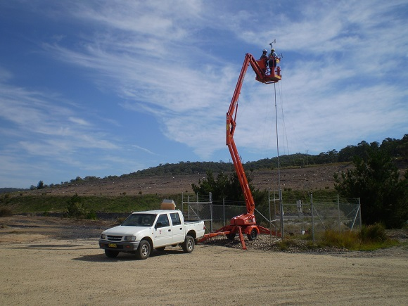 Cherry-picker-in-action