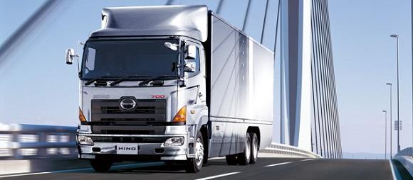 Hino-Trucks-bridge