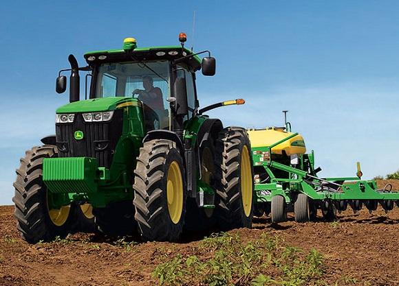 John-Deere-7210-R-Tractor