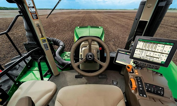 john deere tractors launches new 4 track 9rx series truck trailer blog. Black Bedroom Furniture Sets. Home Design Ideas