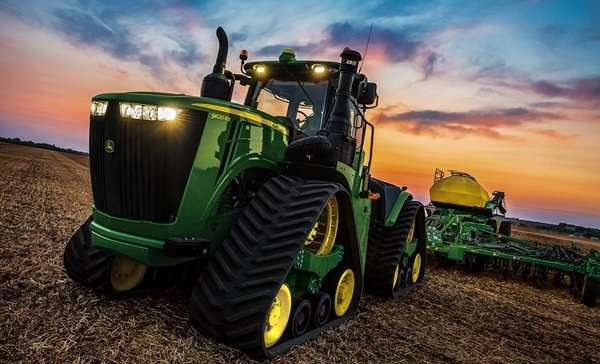 4-track-9RX-Series-from-John-Deere