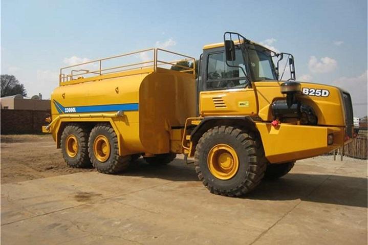 Bell-B25D-water-tank-truck