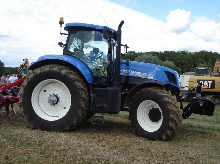 New-Holland-T7000-Series-Tractors
