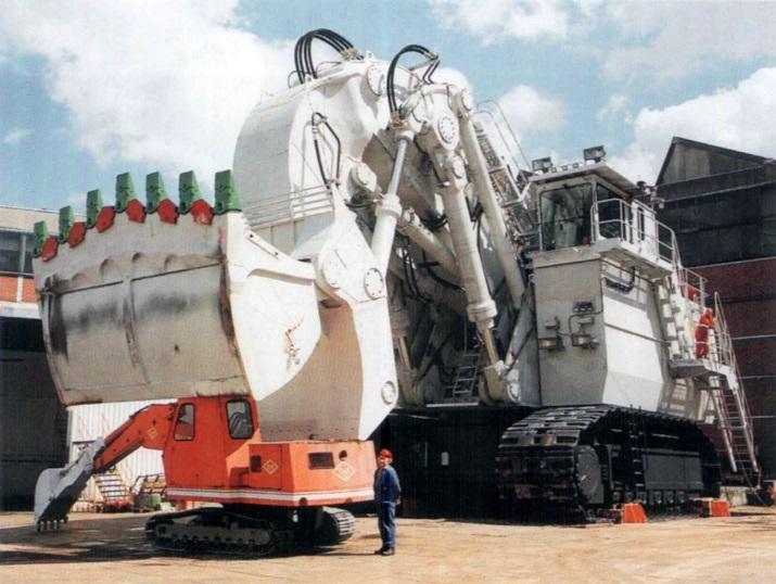 Bucyrus-RH400-Excavator