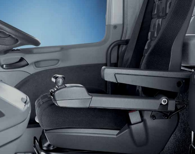 interior-of-the-actros-trucks
