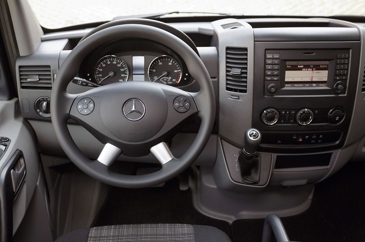 2014-mercedes-benz-sprinter-interior