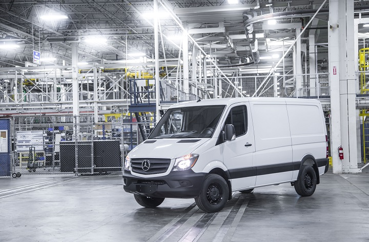 2016-Mercedes-Benz-Sprinter-Worker