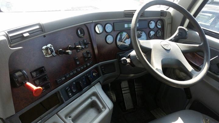 Freightliner-Argosy-Cabin-Layout