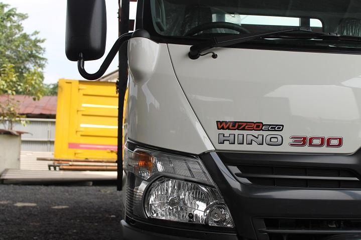 Hino-300-Series-Trucks