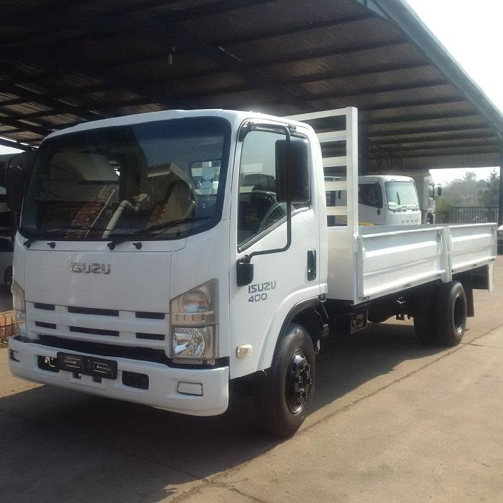 Isuzu-NPR-400-truck