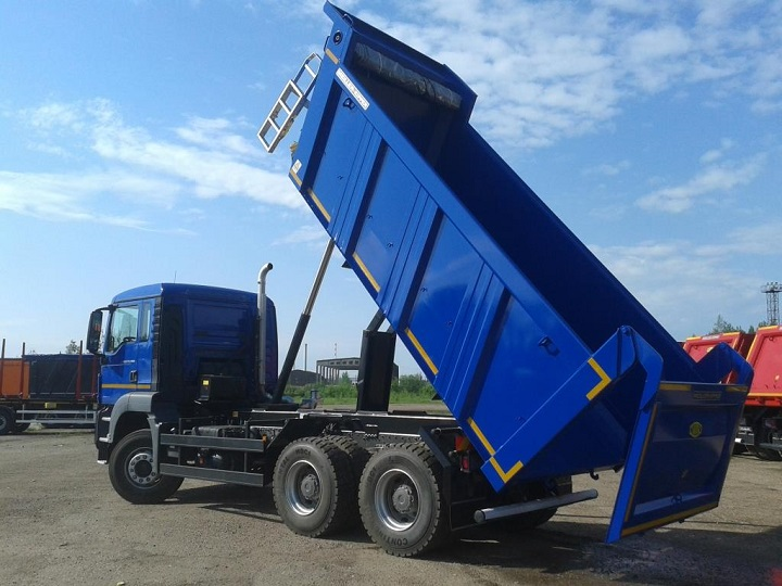 Man-tipper-truck-TGS 33.360-BB-behind