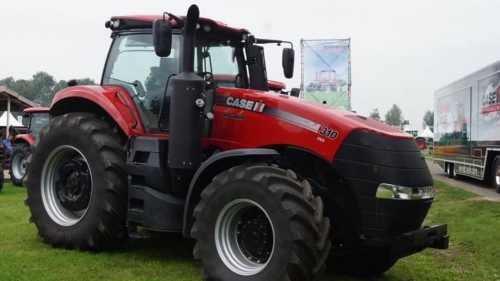 Case-Tractor-Magnum-310