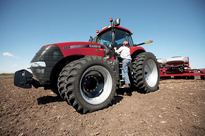 Case-Tractor-Magnum-340