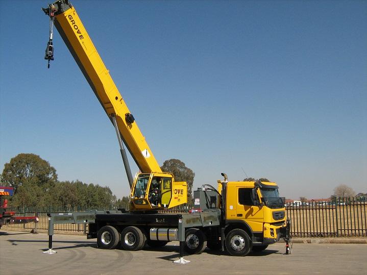 Mobile-Crane-Truck