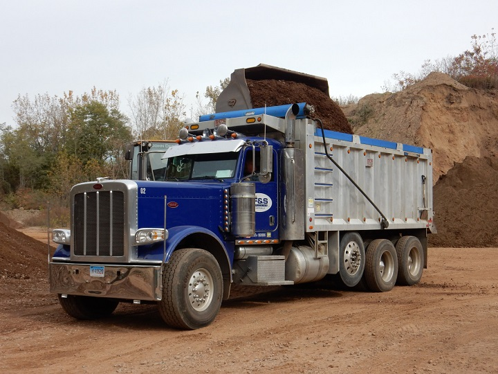 tri-axle-truck