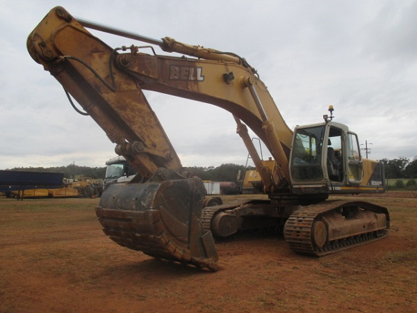 bell-hd-2045-excavator-on-auction