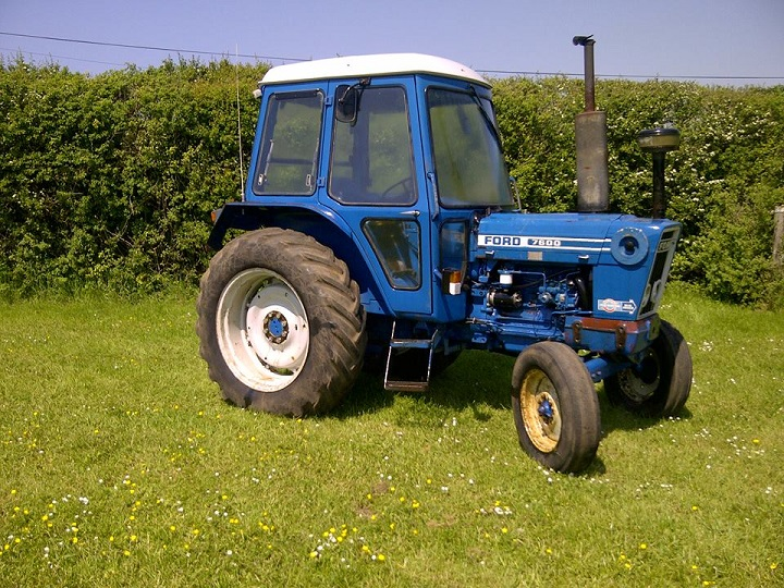 ford-tractor-7600