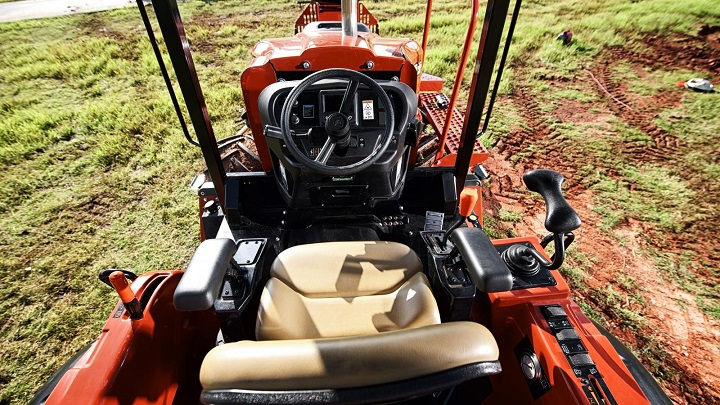 rt100-trenching-machine-interior