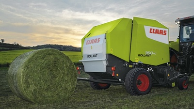 claas baler at work