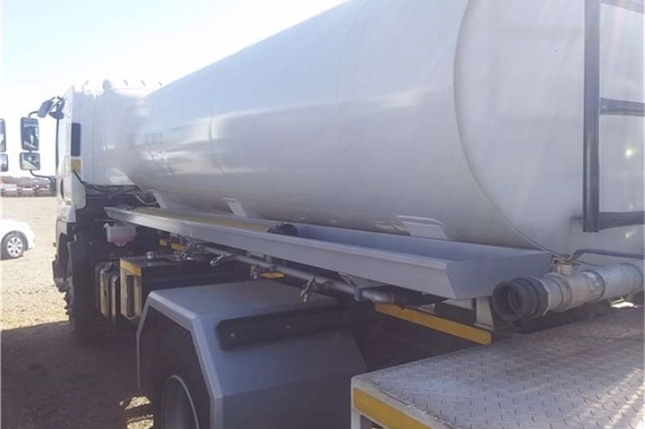 tanker on truck and trailer