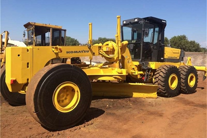 komatsu grader for sale on truck and tariler