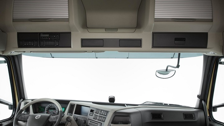volvo fm truck windscreen and storage compartments