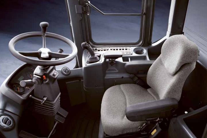 interior of the doosan dl300a