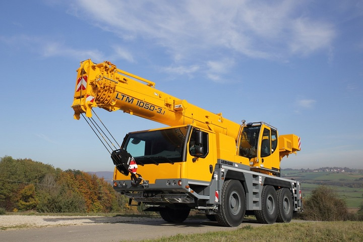 Telescopic Liebherr cranes for on and off-road use - Truck & Trailer