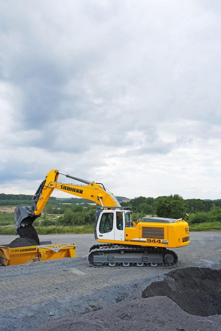 liebherr excavator r944