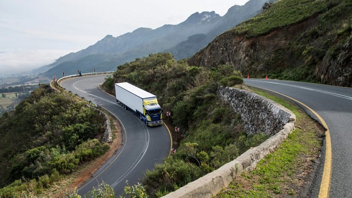 scania r series taking on the road