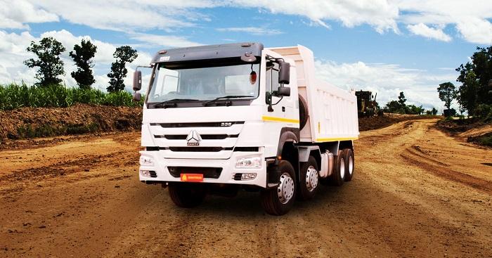 sinotruk truck on duty
