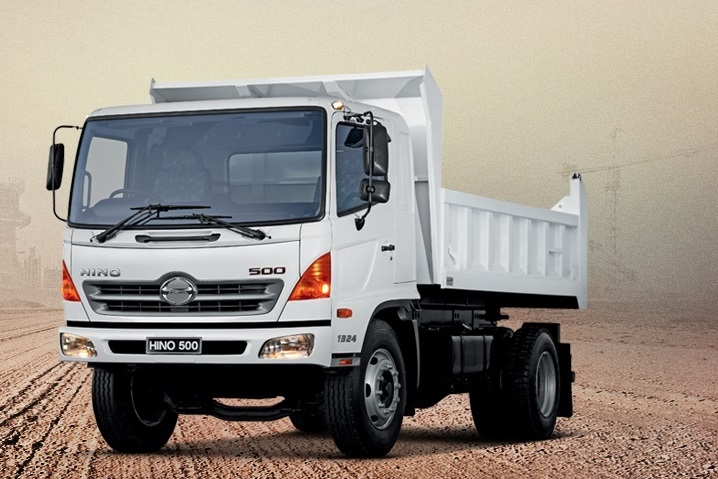 tipper truck by hino