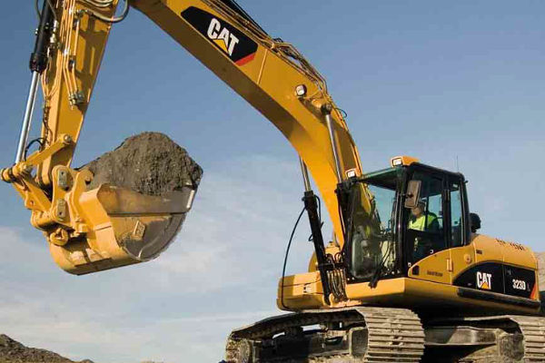 CAT 323D L Series Hydraulic Excavator | Truck & Trailer