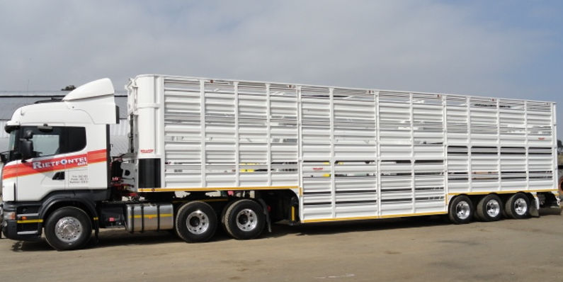 Buy A Livestock Trailer On Truck & Trailer
