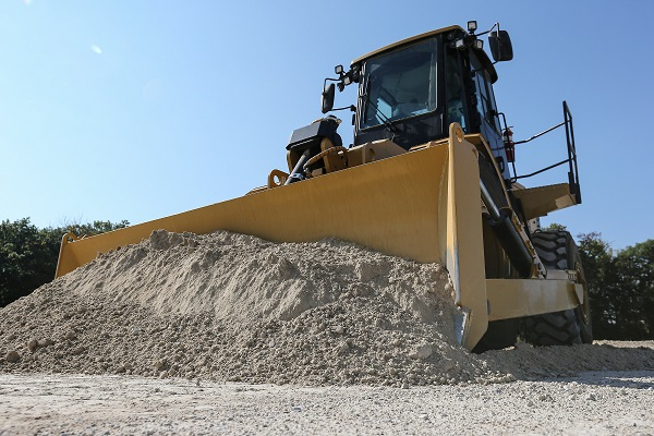 The CAT 814K Wheel Dozer offers great performance | Truck & Trailer Blog