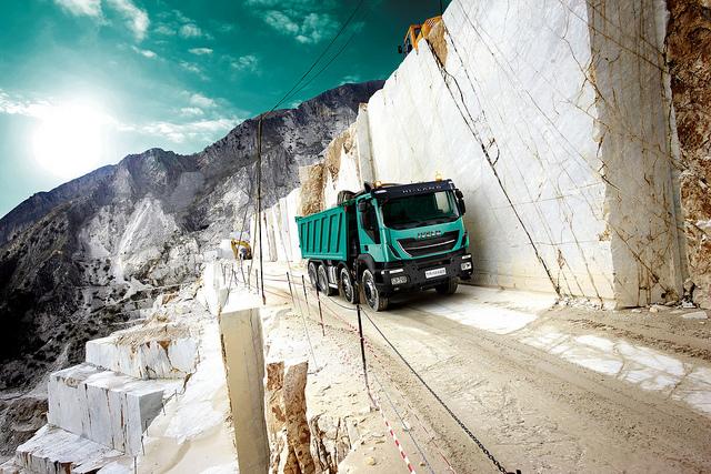 Trucks, Iveco Trakker SR