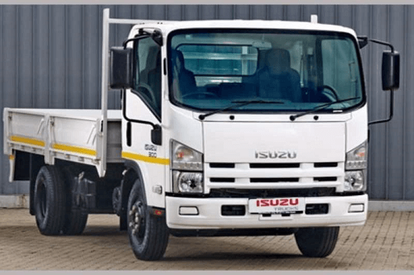 The Isuzu NPR 300 – A reliable truck for your construction business
