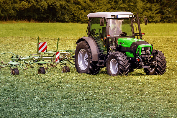 John Deere E Series tractor range means business – Part 2