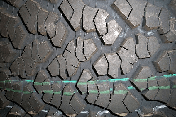 Motor grader maintenance tips for tyres | Truck & Trailer