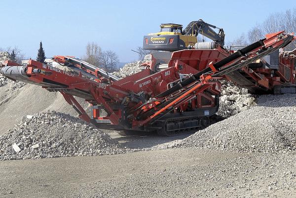 Red crusher | Truck & Trailer