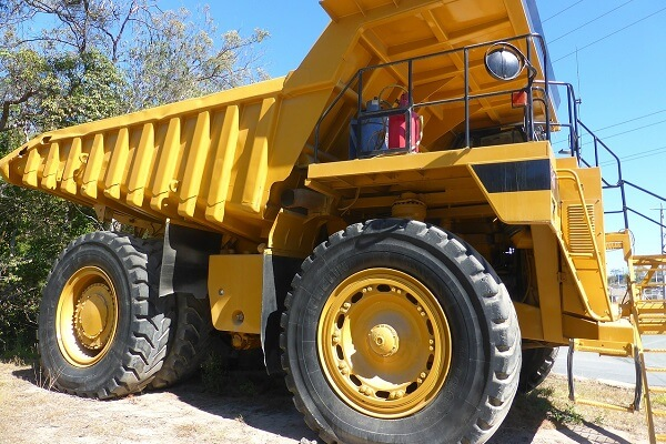 5 most commonly used dump trucks in construction | Truck & Trailer