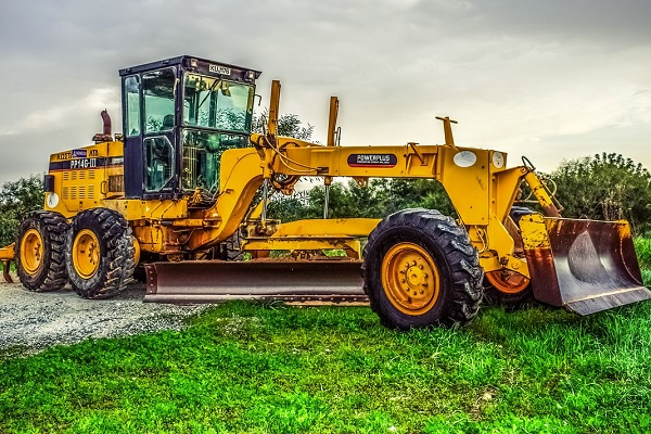 Get motor graders on Truck & Trailer