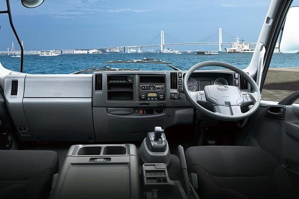 UD Condor interior | Truck & Trailer
